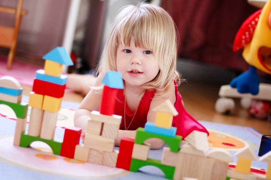 Пособие на детей от 1.5 до 3 лет в 2021 году: изменения с 1 апреля