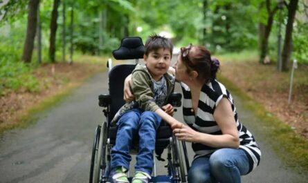 Ребенок-инвалид в 2021 году: какие пенсии и выплаты положены