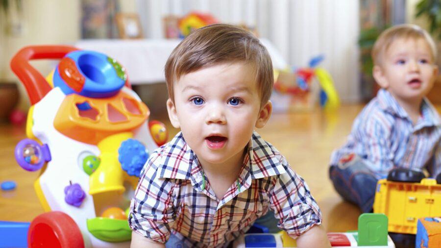 Путинское пособие на детей до 3 лет в 2021 году: изменения с 1 марта