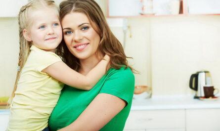 Пособие от 3 до 7 лет в 2021 году: если мама не работает