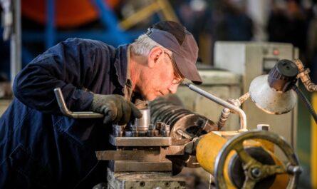 Как пенсии работающим пенсионерам повысят на 1000 рублей с 2021 года