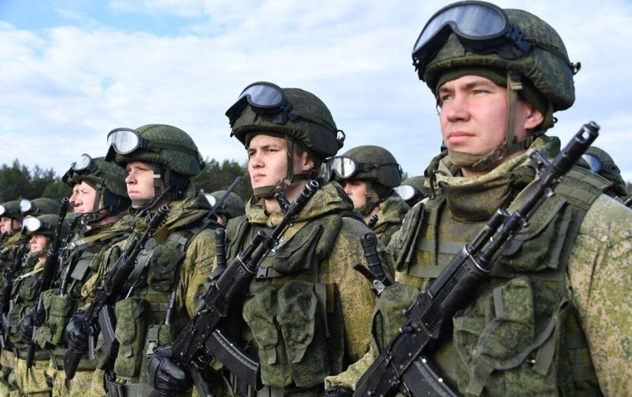 Повышение зарплат военнослужащим в 2021 году с 1 октября: последние новости