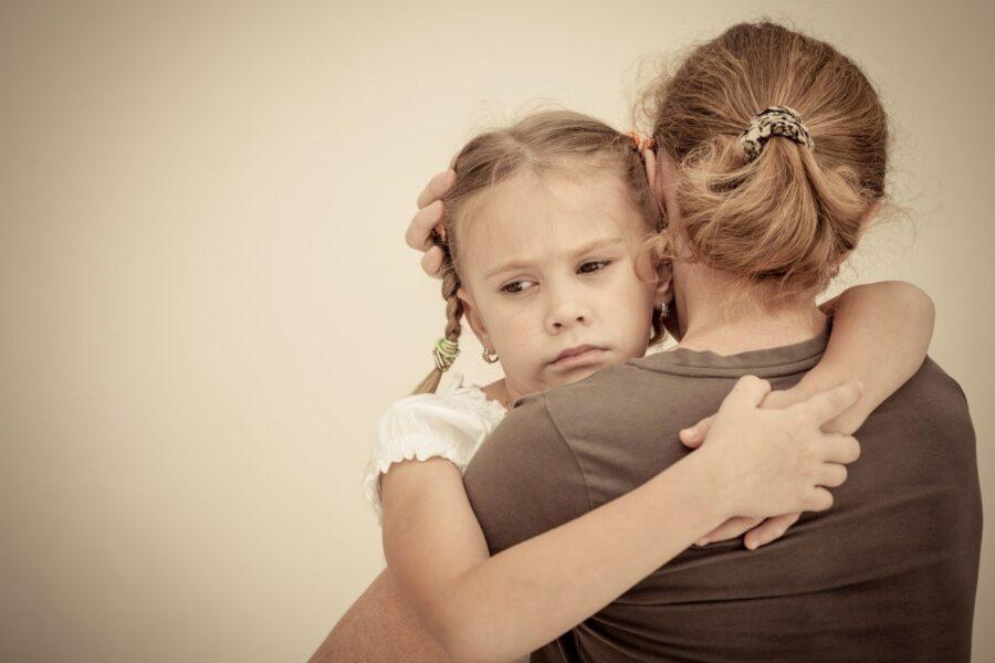 Неполная семья в 2021 это какая: условия выплаты 5650 рублей на ребенка в неполной семье