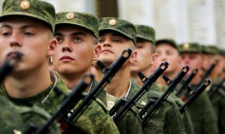 Решение Путин принял: получат ли 15000 рублей военнослужащие срочной службы в 2021 году?