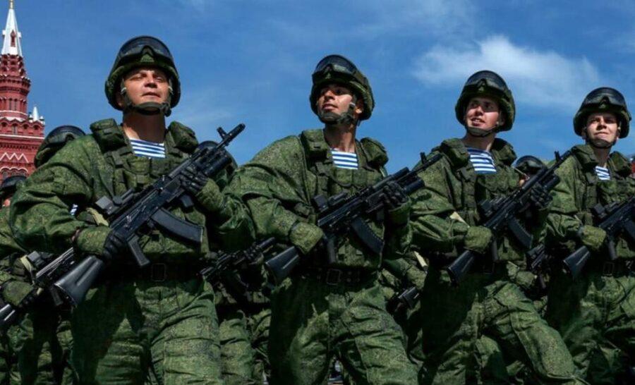 Почему и каким военнослужащим не положена выплата в 15000 в 2021 году, последние новости